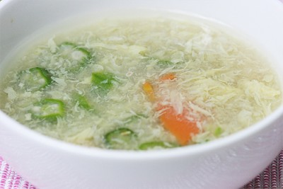 卵とオクラのスープ