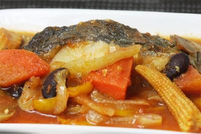 魚(ホキ)のラタトゥユソース添え