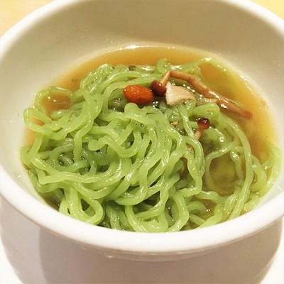 クロレラ翡翠麺